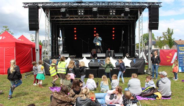 Sieg De Doncker geeft inwoners 5 opdrachten op opening festival 'Sterren van de Polder'
