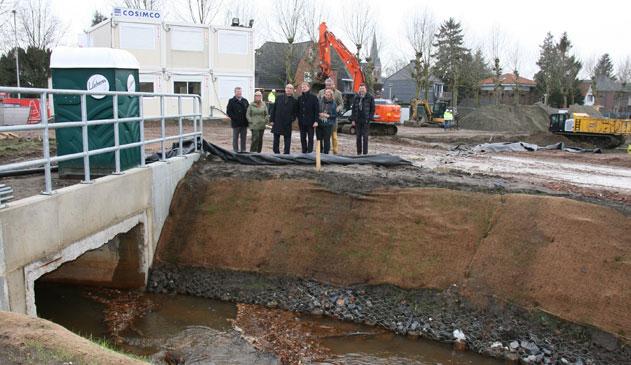 Delhaize legt Kaartse beek in Mariaburg opnieuw open