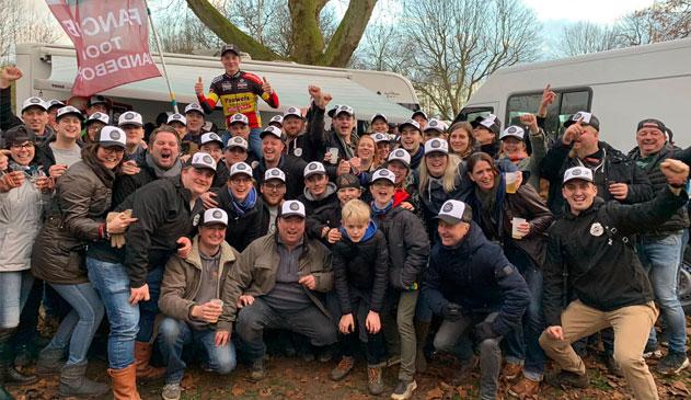 Belgisch kampioen Toon Vandebosch viert titel bij fans in Zwart Schaap