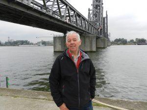 1: De steiger met ponton die aangelegd werd door de firma Hego. 2: René Verbeeck, die vanaf maandag 5 uur met de veerboot vaart